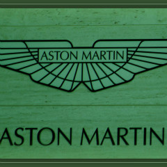 <strong>Statue Aston Martin and LOGO at Kroymans Hilversum NL</strong>