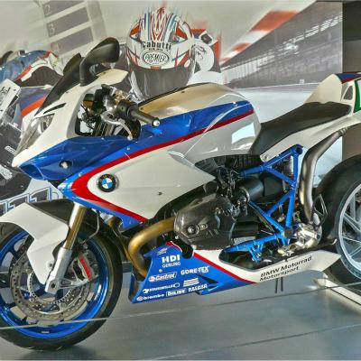 <strong>BMW MOTORRAD MOTORSPORT #17</strong>