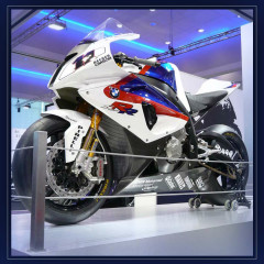 <strong>S1000RR Becker Carbon Sport Bike made by BMW to compete in the 2009 Superbike World Championship</strong>